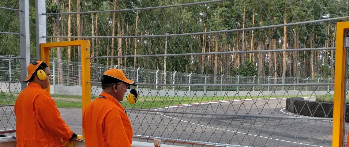 Protection of workers at motorsport race tracks and circuits
