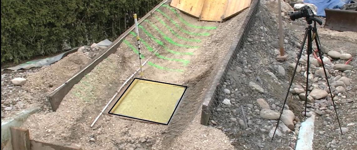 Kleinfeldversuch Barrieren zum Schutz vor Murgang, Schlammlawinen, Geröllawinen