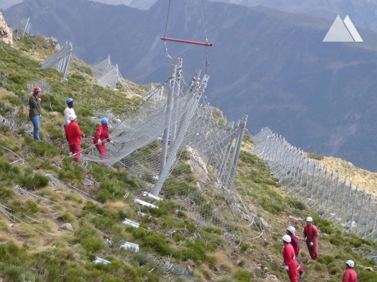 Prevenirea avalanşelor - CORRECCIÓN HIDROLÓGICA ARTIES-GAROS 2003-2006 2006