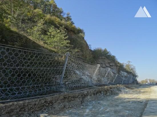 Protecţia împotriva căderilor de pietre - Road Grabovnica-Grdelica 2015