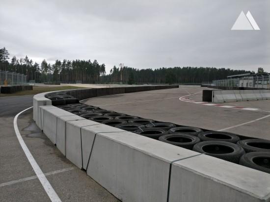 Rennstrecken - Bikernieku Trase - double sided concrete barrier 2016