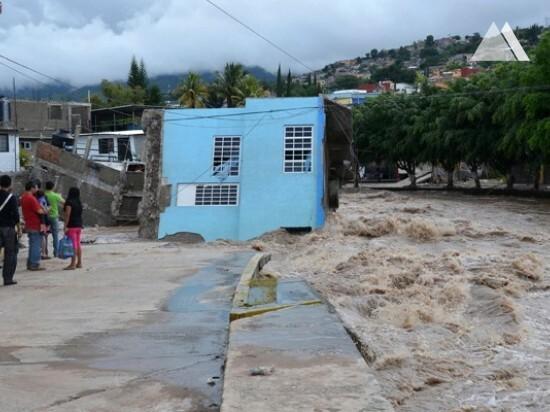 Proteção contra fluxos de detritos - Autopista Cuernavaca-Acapulco 2014