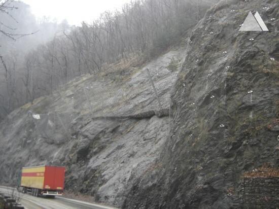 Olt Valley, km 198+000 - 226+000 2009 - Geobrugg