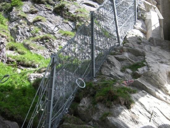 Ablenkschutz Brückenpfeiler, Averstrasse 2008 - Geobrugg