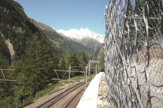 Low-deflection barrier Bubichopf canopy, BLS Goppenstein–Brig line 2010 - Geobrugg