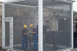 Splinter protection cage 2006 - Geobrugg