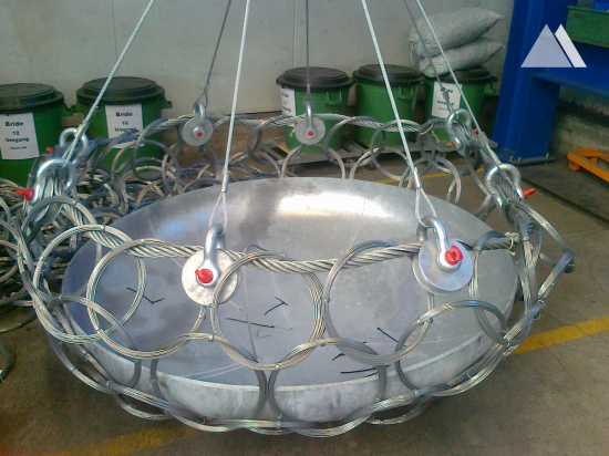 Capture Basket for Oil Platforms 2012 - Geobrugg
