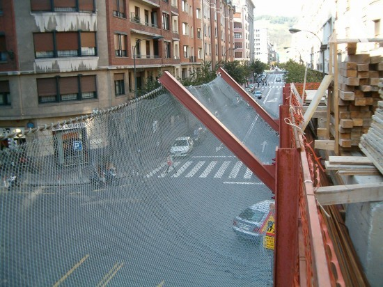 Safety net on construction site 2006 - Geobrugg