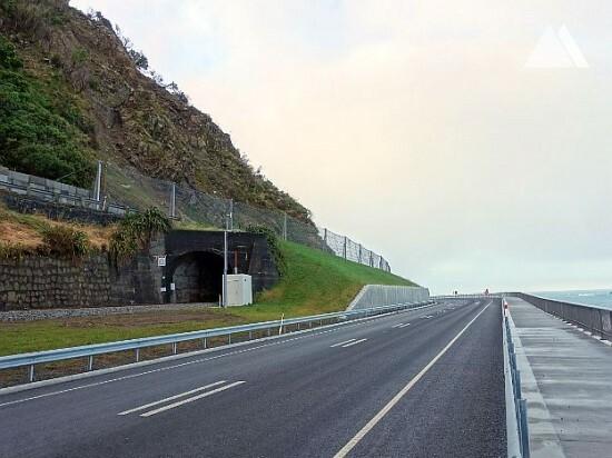 Protección contra caídas de rocas - Kaikoura Tunnel 16 2019