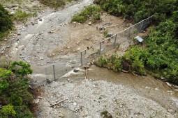 Moloz akışına ve heyelana karşı koruma - Las Ceibas River 2018
