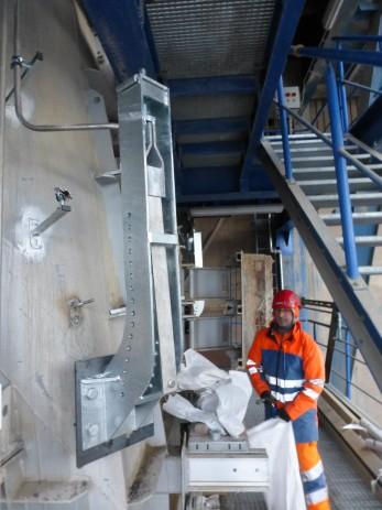 Catching net in a cement plant Deuna 2015 - Geobrugg