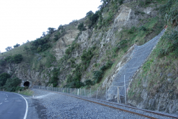 Moloz akışına ve heyelana karşı koruma - Kaikoura Coastal Pacific Rail (SK16) 2019