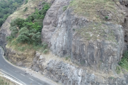 Estabilización de taludes - Malshej Ghat, NH222 (1) 2019